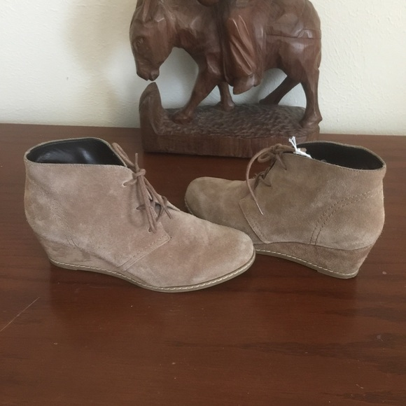 6a8c292cf2f4b Women Michael Shannon Rebeka Wedge Booties Size 7